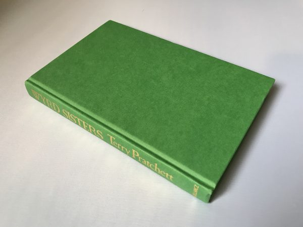 Terry Pratchett Wyrd Sisters First Edition3