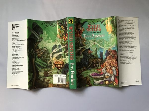 Terry Pratchett Wyrd Sisters First Edition4