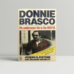 jospeh pistone donnie brasco signed paperback1
